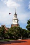 历史的亨利・福特博物馆,与蓝天的钟楼 免版税库存图片
