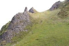 吃草在陡峭的石灰石小山的绵羊 库存照片