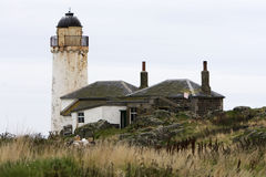 废弃的灯塔苏格兰 免版税图库摄影