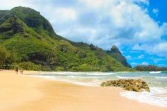 隧道海滩,考艾岛海岛夏威夷 免版税图库摄影