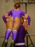 舞蹈的年轻运动员舞蹈家炫耀圣彼得堡的联盟 免版税库存图片