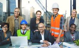 Έννοια κατασκευής μηχανικών αρχιτεκτόνων συνεδρίασης των επιχειρηματιών Στοκ Φωτογραφία
