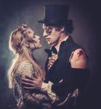 Одетый в свадьбе одевает романтичное зомби Стоковая Фотография RF