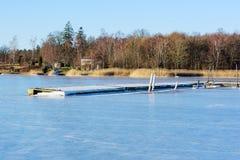 Плавучий мост в зиме Стоковая Фотография