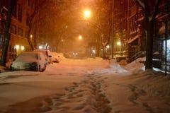纽约街道在雪飞雪期间的 免版税库存图片