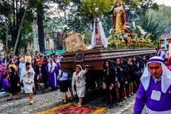 基督受难日队伍,安提瓜岛,危地马拉 库存图片