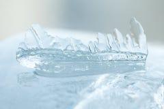 冰柱宏指令视图 冬天冷气候风景 软绵绵地集中 免版税库存图片