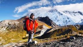迁徙的爬山者喜马拉雅山 库存图片