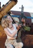 Женщина с пушкой Стоковые Фотографии RF