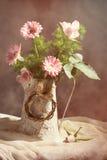 Ρύθμιση λουλουδιών άνοιξη Στοκ Εικόνα