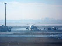 Восхождение на борт самолета Стоковые Фото