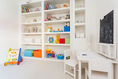 充分壁橱玩具 免版税图库摄影