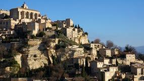 小山顶村庄戈尔代在法国普罗旺斯 图库摄影
