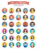 套男人和妇女具体化象 被设置的五颜六色的男性和女性面孔象 与长的阴影的平的样式设计 库存照片