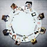 遇见讨论运作的概念的商人 免版税库存照片