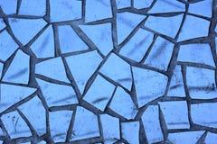 残破的蓝色瓦片装饰马赛克  免版税库存图片