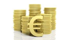 堆金黄硬币和一个欧洲标志 免版税图库摄影