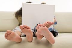 互联网孩子 库存图片