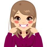 Красивая белая девушка улыбки Стоковые Фото