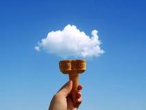 奶蛋烘饼冰淇凌 免版税库存照片