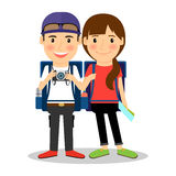 背包徒步旅行者年轻旅游夫妇 库存照片