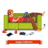 Ленивый предназначенный для подростков студент лежа вниз с компьтер-книжкой Стоковая Фотография