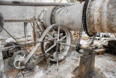 Деталь пояса привела машину в действие в фабрике для меля известняка Стоковые Фотографии RF