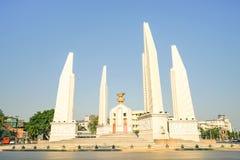 民主纪念碑在曼谷的市中心 图库摄影