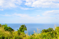从卡玛拉,普吉岛山的海视图在泰国 免版税库存照片