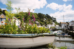Βάρκα που γεμίζουν με τα λουλούδια Στοκ Φωτογραφία