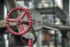 Винтажный клапан в фабрике тяжелой индустрии Стоковые Изображения RF