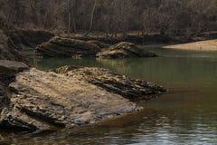 银朱的河 库存照片