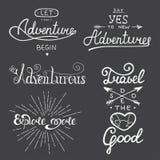 套冒险和旅行贺卡的传染媒介字法, 免版税库存图片