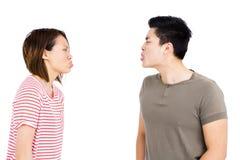 戏弄的年轻夫妇 免版税库存照片