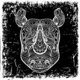 有装饰品的犀牛头在难看的东西背景 纹身花刺艺术 免版税库存图片