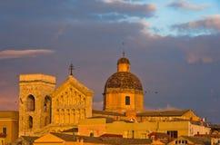 卡利亚里街市全景细节在日落的在撒丁岛 免版税库存照片