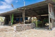 回收的被击碎的锡罐 免版税图库摄影