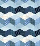 在蓝色口气的冬天之字形无缝的补缀品样式 免版税库存图片