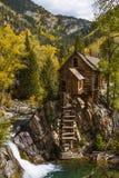 在历史的水晶磨房的秋天颜色 免版税库存照片