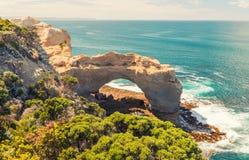 在大洋路-维多利亚,澳大利亚的曲拱 库存照片