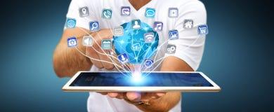 Επιχειρηματίας που χρησιμοποιεί τις σύγχρονες ψηφιακές εφαρμογές ταμπλετών Στοκ φωτογραφίες με δικαίωμα ελεύθερης χρήσης