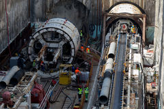 在地铁建造场所挖洞镗床 免版税库存照片