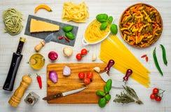 Μεσογειακά τρόφιμα και μαγειρεύοντας συστατικά και κουζίνα Στοκ Φωτογραφία