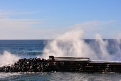 大波浪在海洋 库存图片
