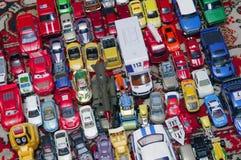 各种各样的五颜六色的玩具汽车 免版税图库摄影