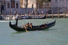 Путешествие гондолы в Венеции Италии Стоковая Фотография