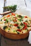 Πίτα με την κρέμα, το τυρί και τα λαχανικά Στοκ Εικόνες