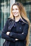 χαριτωμένος ευτυχής χαρούμενος νεολαίες γυναικών Στοκ Εικόνες