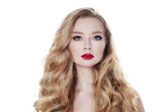 Женщина моды изолированная на белой предпосылке белокурые волосы Стоковые Фотографии RF