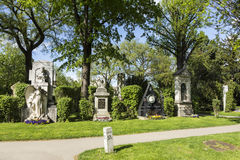 Άποψη στο κεντρικό νεκροταφείο της Βιέννης, η θέση όπου διάσημοι άνθρωποι Στοκ Εικόνα